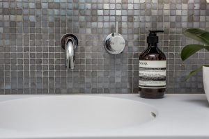 7 Tips for Choosing the Right Bathroom Tiles