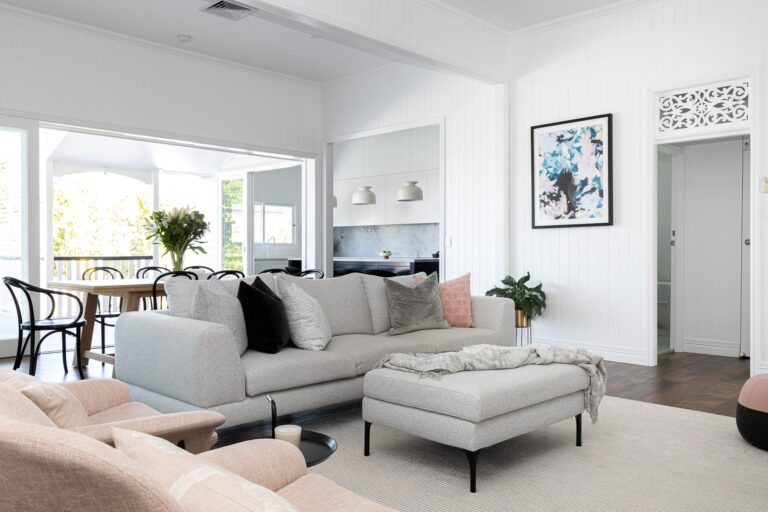 Read more about the article REVEAL | A classic Queenslander renovated in modern Hamptons style