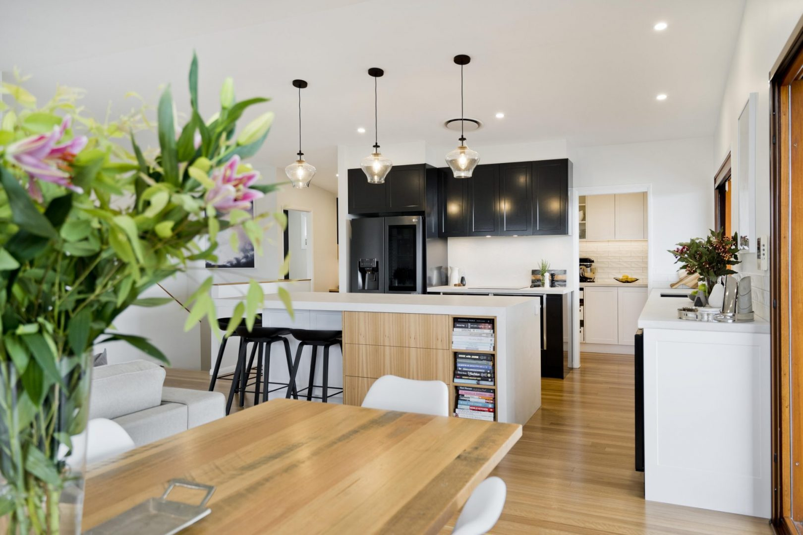Read more about the article Warm Your House with Lighting – 6 Tips for adding warmth to a room