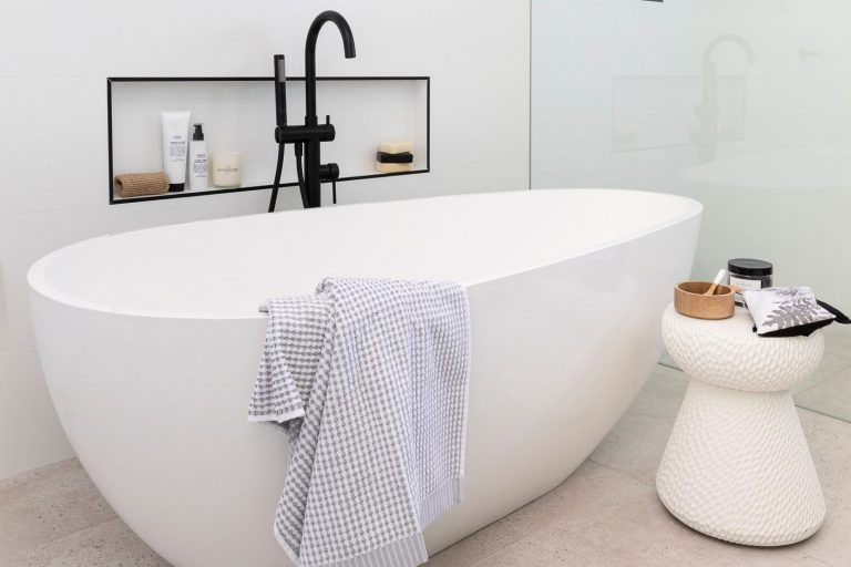 Read more about the article CALM & SERENE BATHROOM
